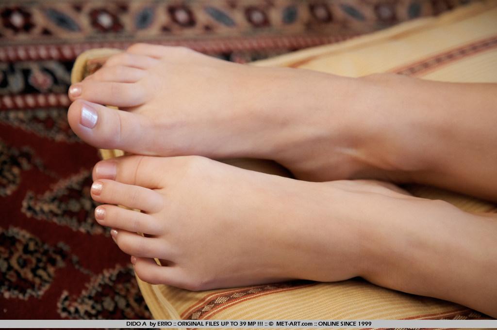 Пальчики голых девушек фото