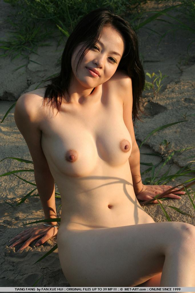 голая китаянка фоо