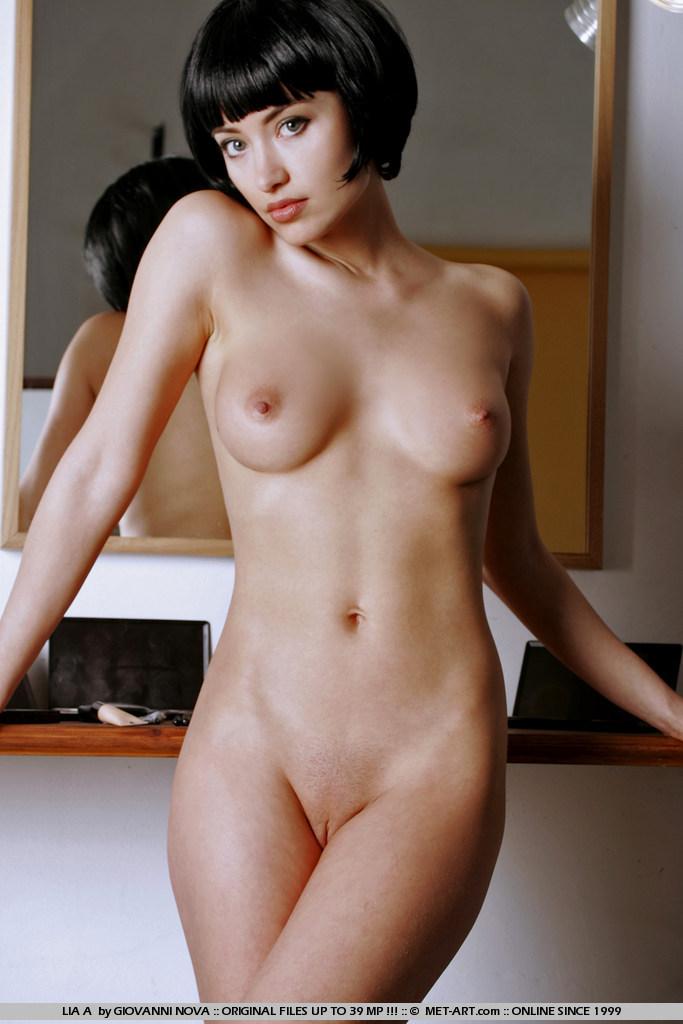 Фото девушек голых с короткой стрижкой 24806 фотография